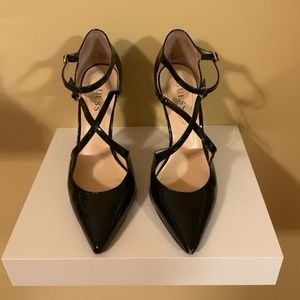 Guess Black Pumps with pointed toe & stiletto heel